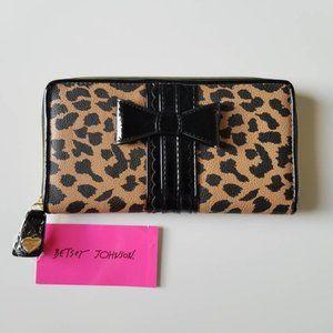 Betsey Johnson NWT Cheetah Print Wallet/Clutch